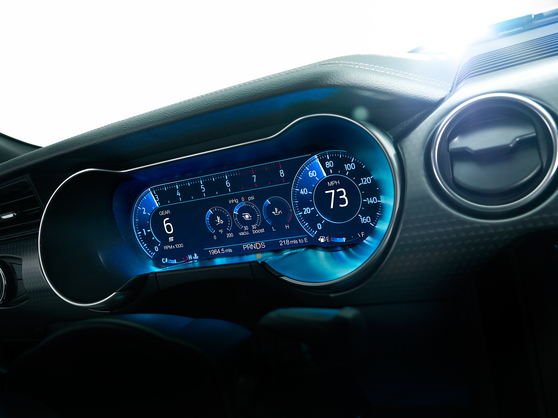 Visteon_instrument_cluster_on_Ford_Mustang