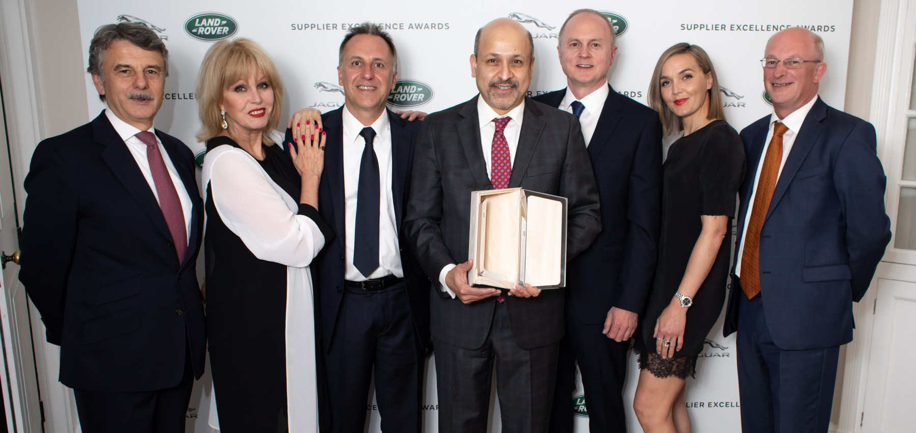 Visteon wins Jaguar Land Rover supplier excellence award for longstanding relationship and innovative technology